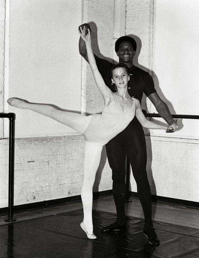 6349f1aeaf3059f89d0b802928735a7b--ballet-dancers-taps.jpg