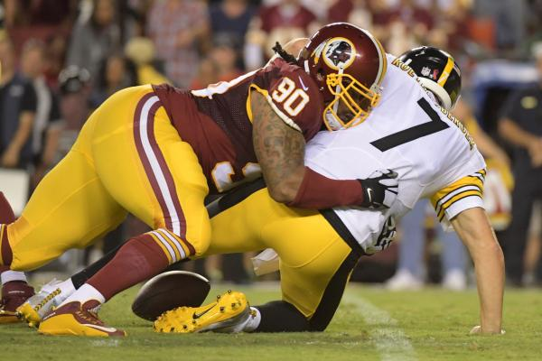 Washington-Redskins-re-sign-DE-Ziggy-Hood-OT-Vinston-Painter.jpg
